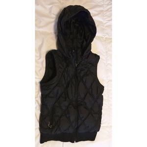 Puff black vest